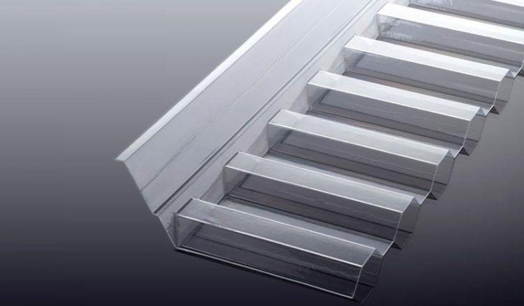 Unsere extrem bruchsicheren Wandanschlüsse für Acryl Wellplatten sind vergilbungsfrei und haben das Maß 1045 x 150 x 60 mm. Passend für die Profile K 76/18 und S 76/18. Weiteres Zubehör finden Sie im Shop.