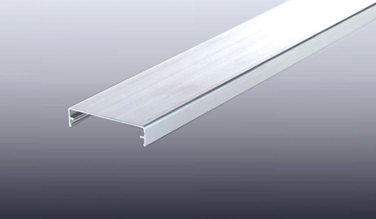 Klemmdeckel für unsere Aluprofil Systeme: Kombi, Komplett, Universal und Thermo. Der Klemmdeckel dient zur optischen Aufwertung des Oberprofils.