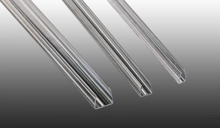 Die U-Profile aus strapazierfähigem Polycarbonat in glasklar sind für die Ausführungen 6, 10 und 16 mm erhältlich. Länge: 2100 mm