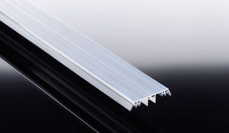 Unser kostensparendes Alu Universalsystem eignet sich ideal für die Montage von 10 mm bis 25 mm Stegplatten sowie 8 - 10 mm Echtglas.