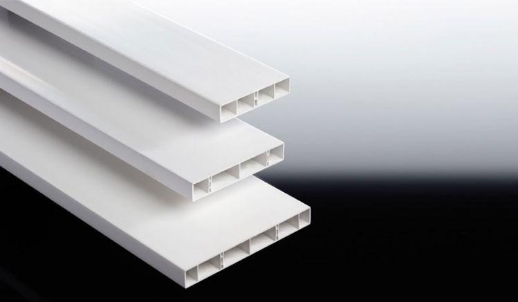 Witterungsbeständige, formstabile und wartungsarme Hohlkammerbretter für Balkonneugestaltung, Balkonsanierung und Balkonrenovierung