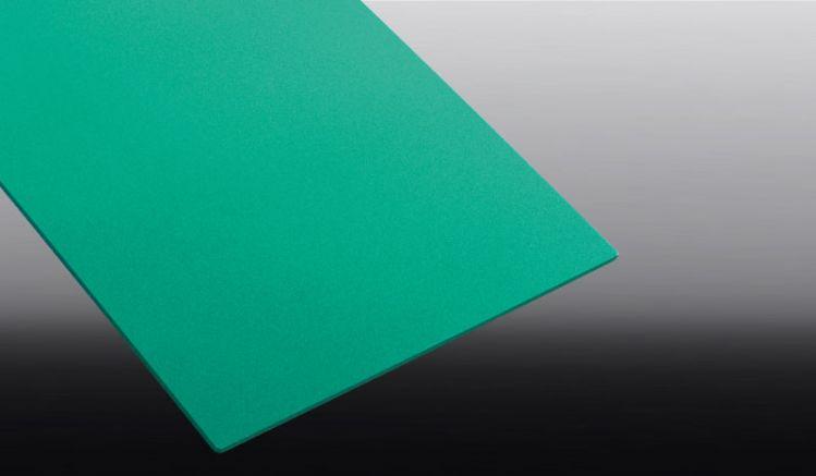 Unsere PVC Hartschaumplatten zeichen sich durch ein sehr geringes Gewicht, eine hohe Witterungs- und UV-beständigkeit sowie einer guten Schall- und Wärmedämmung aus.