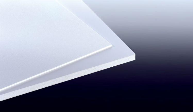Unsere 6 mm Hartschaumplatten sind in den Maßen 1220 x 2440 mm und 2030 x 3050 mm erhältlich. Die Platten sind Witterungs- und UV-beständig.