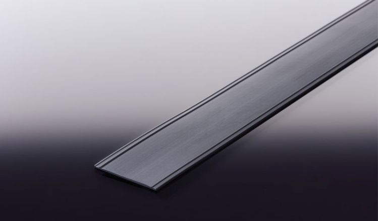 Einfach zu verarbeitendes 36 mm Fugenband aus Weich PVC, das Sie bei meinbaustoffversand.de als 25 m Rolle in den Farben Weiß und Schwarz bestellen können