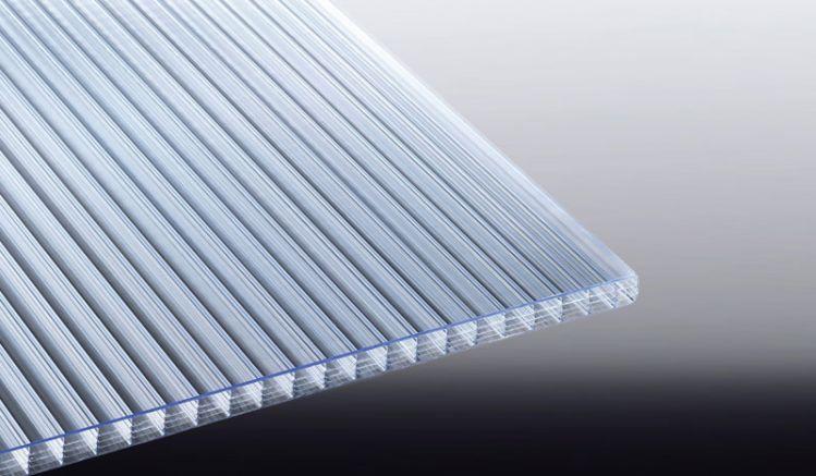 Unsere ANTI HAGEL Polycarbonat Stegplatte hat eine verstärkte Außenseite welche die höchste Hagelwiderstandklasse HW 5 aufweist. Sicher bis 50 mm Hagelkörner.