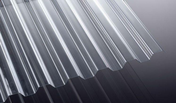 Die K76/18 Wellplatten aus bruchfestem Polycarbonat mit einer Stärke von 1,5 mm sind in den Längen 2000 - 7000 mm erhältlich. Breite: 1115 mm, Nutzbreite ca. 1064 mm.