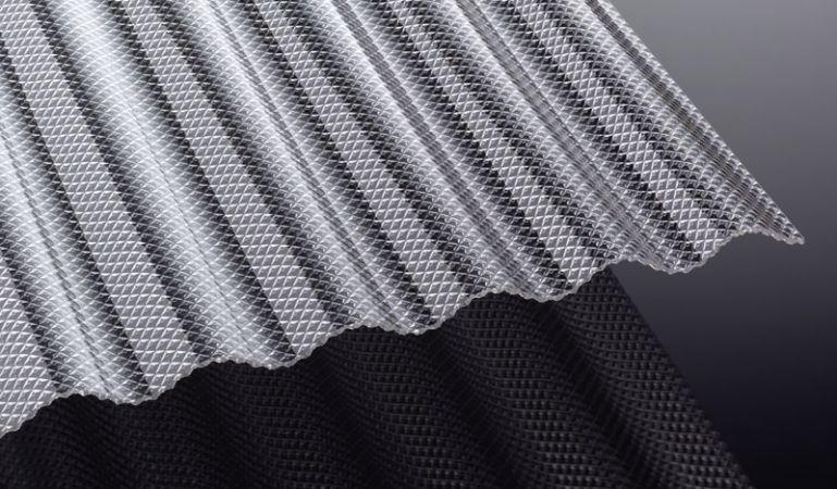 Unsere Wellplatten aus Acryl mit einer Stärke von 3 mm und dem S 76/18 Profil sind schlagzäh und eignen sich perfekt für Terrassenüberdachungen, Carports, Industriehallen und Vordächer. Entdecken Sie unsere große Auswahl.