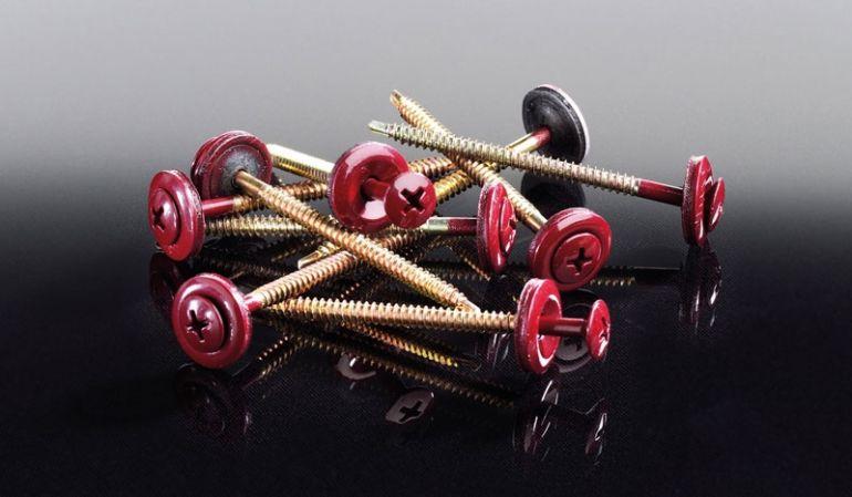 Unsere preiswerten Schrauben für Bitumenwellplatten in der Farbe Schwarz haben eine 16 mm Dichtscheibe und lackierte Köpfe.