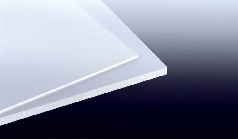 Unsere 3 mm PVC Hartschaumplatten eignen sich ideal für den Messe- und Innenausbau, die Werbetechnik und den Sieb- und Digitaldruck.