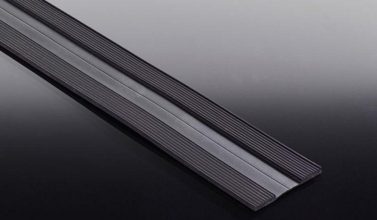 Unser Rippenunterlegband XL dient als wasserfeste Unterlage für Echt-Glas. Dieses wir bei unserem Aluprofil Kombi- und Universalsystem benötigt, da es im Lieferumfang nicht enthalten ist.