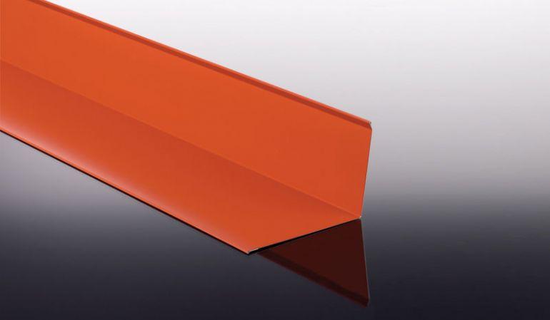 Das 0,75 mm starke Wandanschlussblech aus Stahlfeinblech ist in 8 verschiedenen Farbausführungen wählbar. Das Maß beträgt 100 x 150 x 500 - 3500 mm.