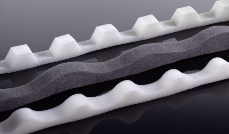 Unsere günstigen Schaumstoff Profilleisten für Wellplatten aus Acryl, PVC und Polycarbonat. Die Profilleisten sind für folgende Profile geeignet: K 76/18, S 76/18, 177/51, 130/30